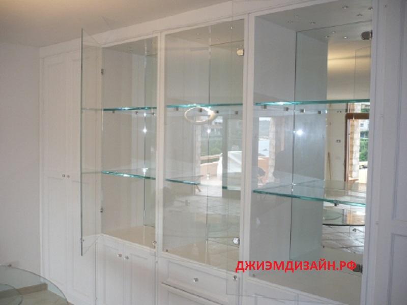 Стеклянную витрину на заказ, заказать витрину из стекла пете.